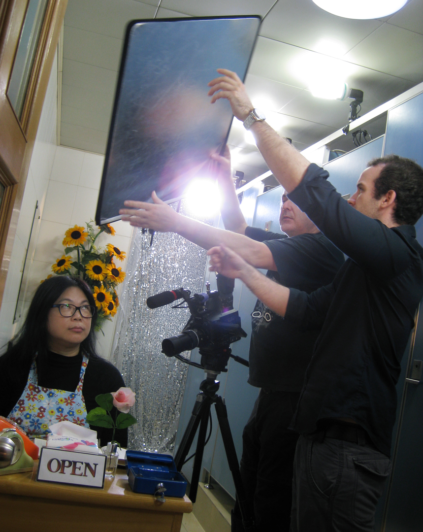 Film making is a team work and Some students immediately get it to give a help on set up (Photo: Sarah)