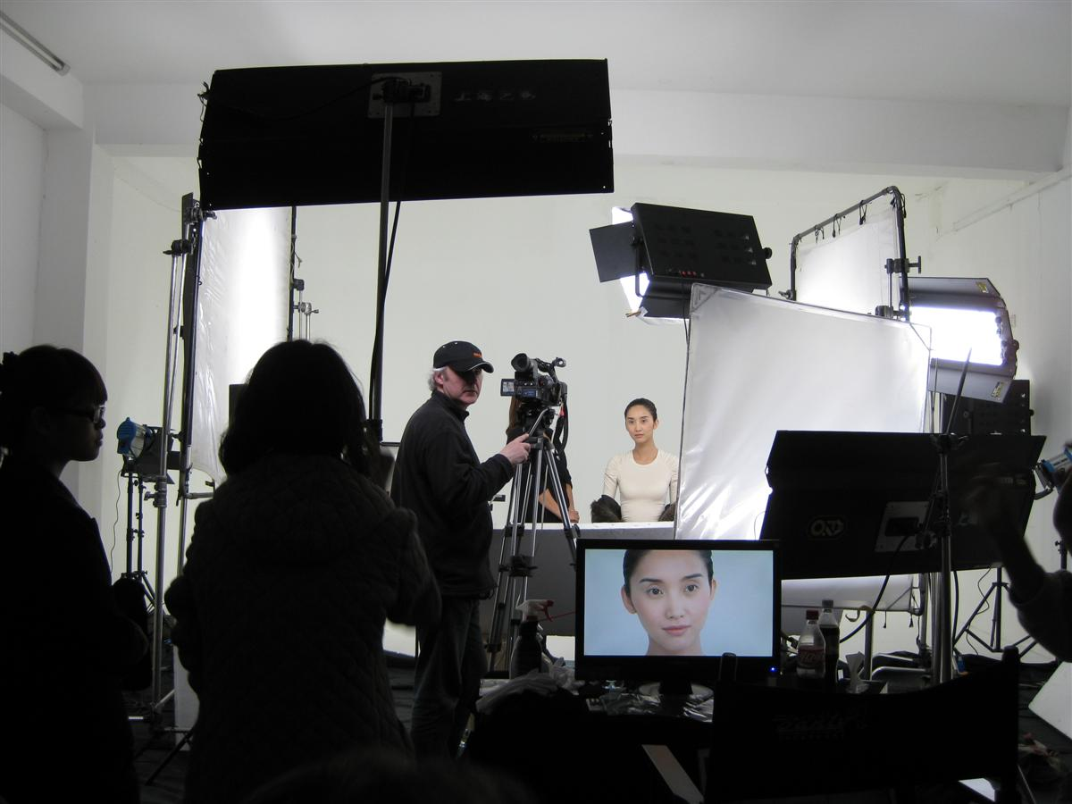 TV commercial lighting set up involves much more equipment, time and budget than the shooting part
